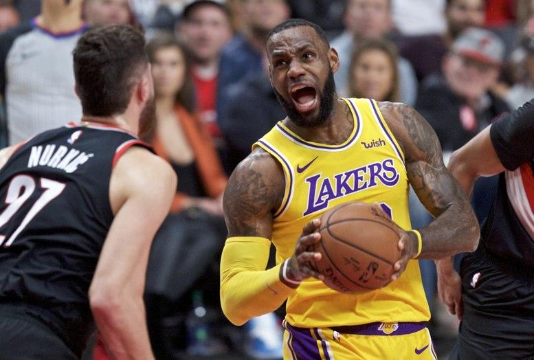 LeBron James anota 51 puntos y acaba con el Heat