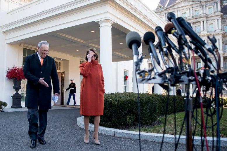 Rechazan demócratas otorgar a Trump mil mdd para el muro fronterizo