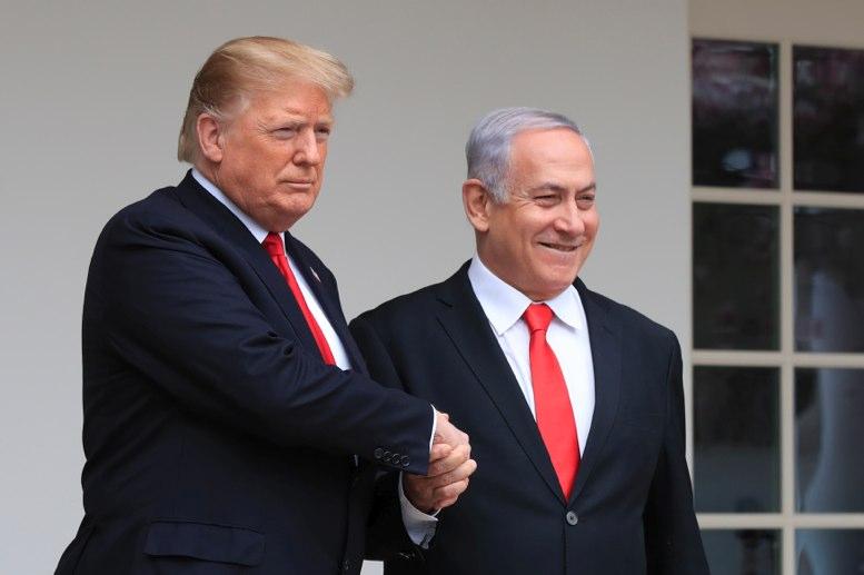 Condenan demócratas comentarios de Trump sobre judíos como antisemitas