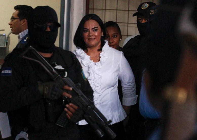 Honduras: Esposa de ex presidente Lobo culpable de corrupción