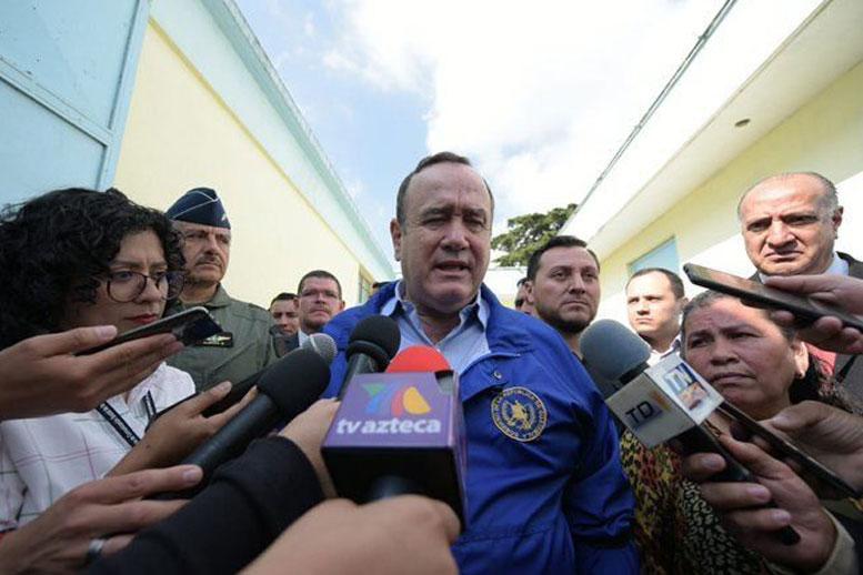 Guatemala ordena toque de queda por ocho días