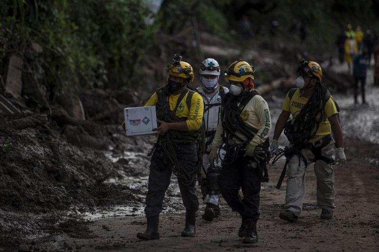 Asciende el número de muertos por lluvias en El Salvador