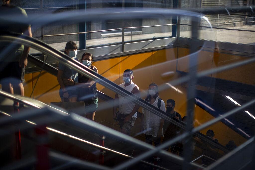Suiza impone cuarentena asesta golpe al turismo de España — MADRID