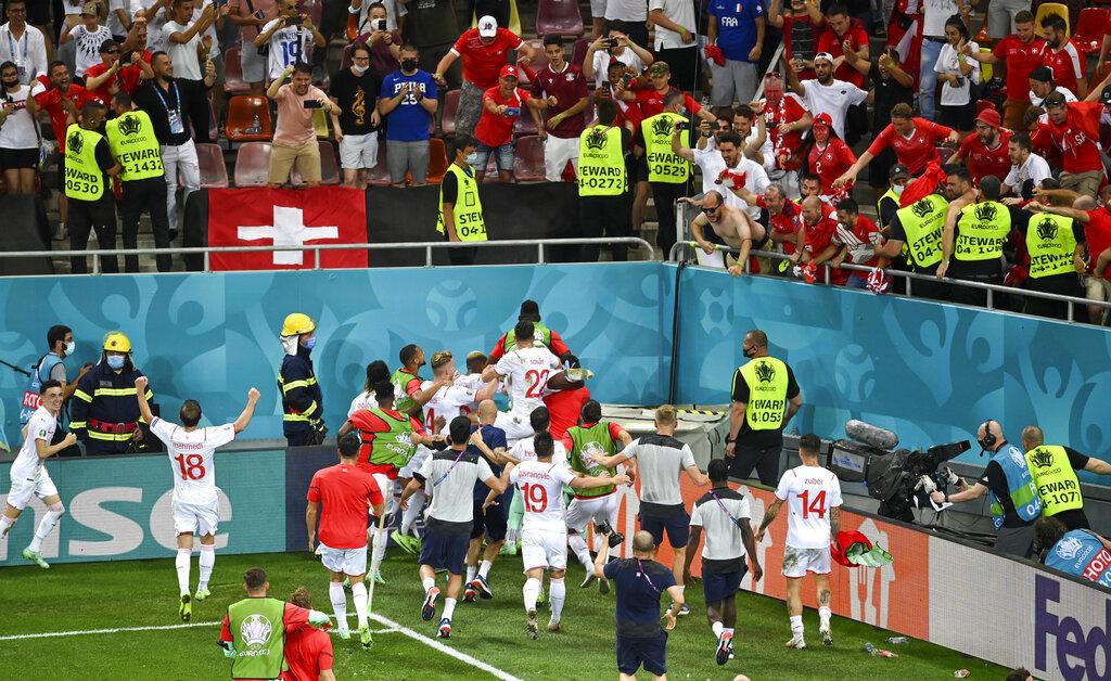 Francia afloja al final y es eliminada por una Suiza que no falló ni un  penal - La Hora