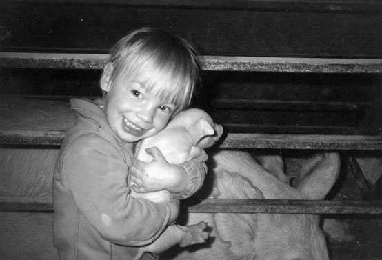 Sheena Geerts holding piglet