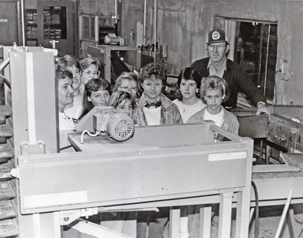 4-H club at Van Diepen's apple orchard, 1987