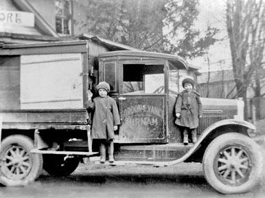 Gordon Vanc's first deliveryu truck, Birnam