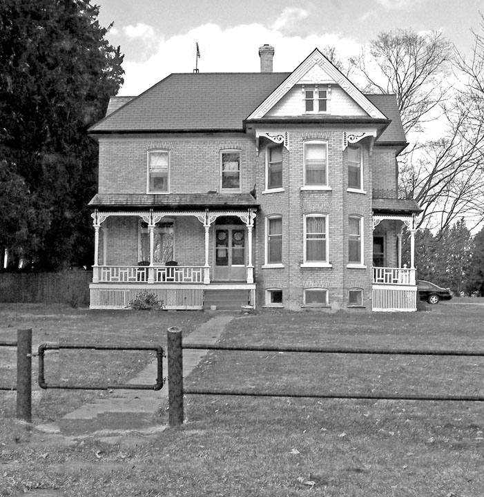 McKenzie house, 7078 Egremont Rd