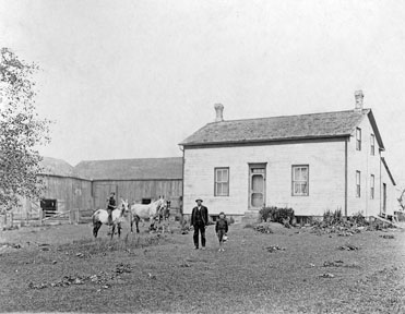 Adam Higgins homestead (Carter and Isaac photo, 1910)