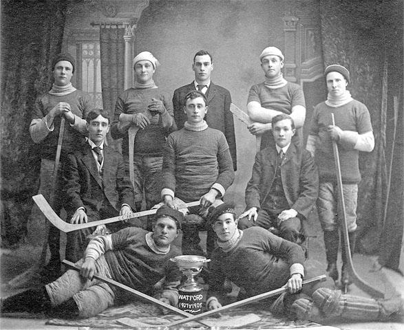 1907-1908 hockey team.