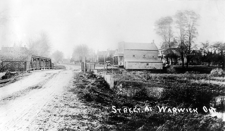 Looking west on Egremont Road, Warwick Village, 1927