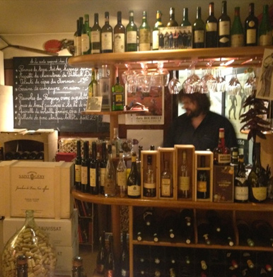 Caves Madeleine: where the winemakers eat in Beaune