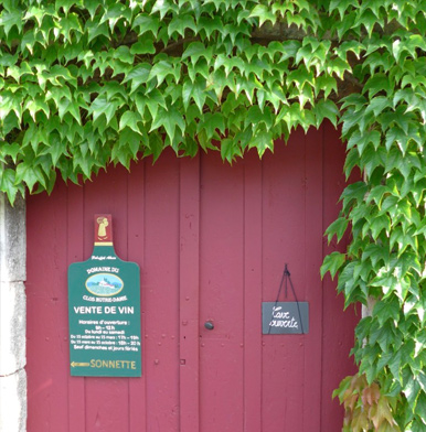 Domaine du Clos Notre-Dame: when church and wine unite together