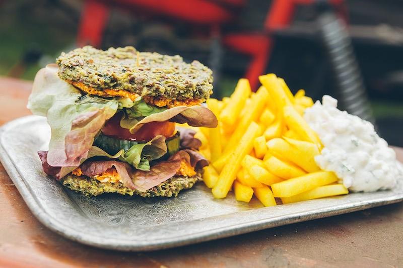 raw burger at Secret of Raw in Prague