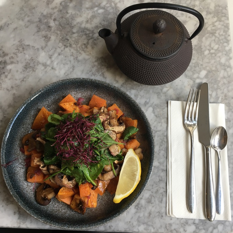 Food trends: Healthy vegan lunch