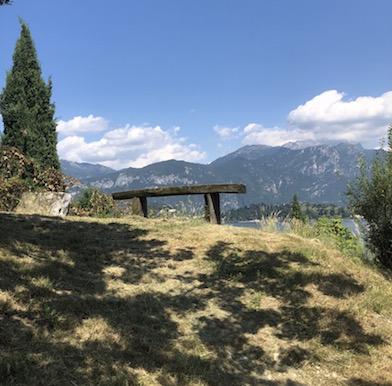 Hiking the Como Lake hillsides