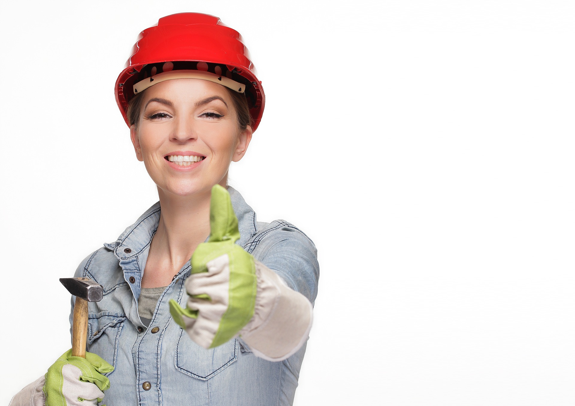 smiling woman wearing hard hat