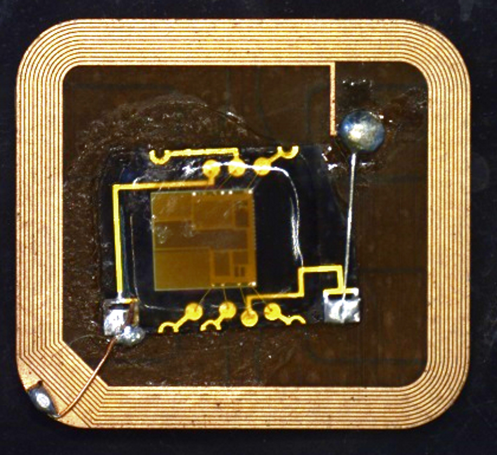 Laser ablated prototype antenna module with soldered RF transponder chip