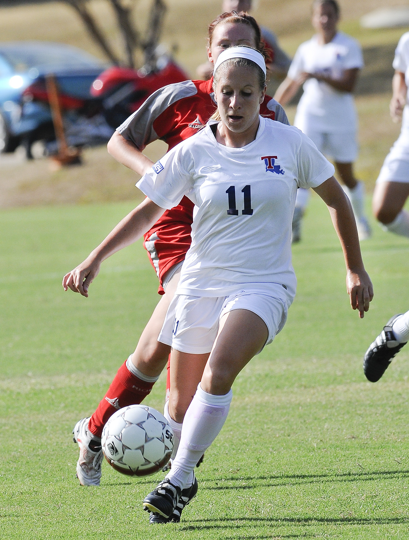 Freshman Taylor Dennis provided an assist as she returned to her home state of New Mexico.