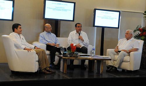 Los presidentes de Honduras y Panamá efectuaron un conversatorio sobre la importancia de las ZEDE y sus ventajas.