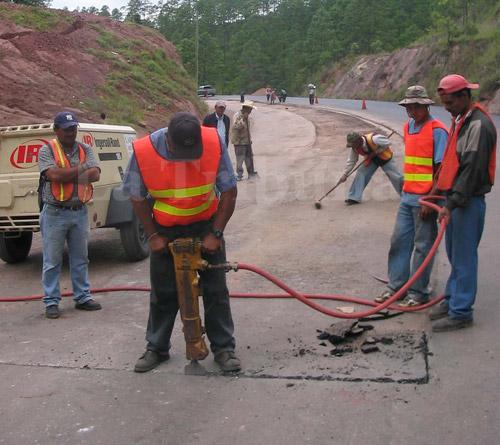 El gobierno invertirá unos 50 millones de lempiras en bacheo de la red vial pavimentada.