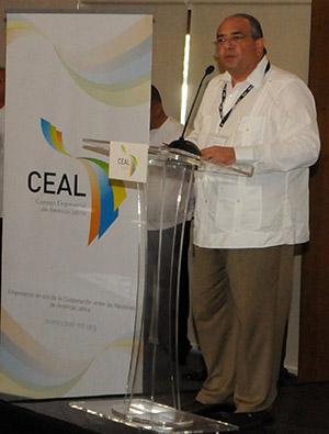 El presidente regional del CEAL, Camilo Atala, instó a los empresarios y gobiernos a trabajar juntos en el desarrollo de la equidad.