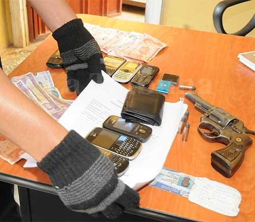 """Los decomisos se realizan en casas particulares, en negocios considerados """"topes"""", a ladrones en la calle y en las distintos centros penales del país."""