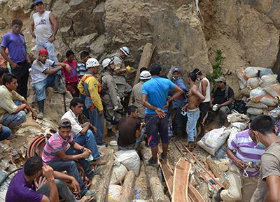 Se realizará el último intento para sacar del interior de la mina a los ocho obreros.