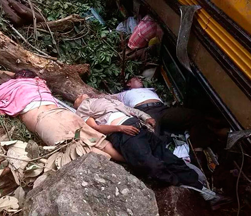 Producto del accidente 42 feligreses resultaron heridos, por lo que algunos permanecen en delicado estado de salud.