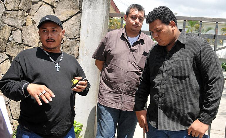Familiares del infortunado no descartan que el robo del carro y otros artículos, sea una manera de despistar a las autoridades.