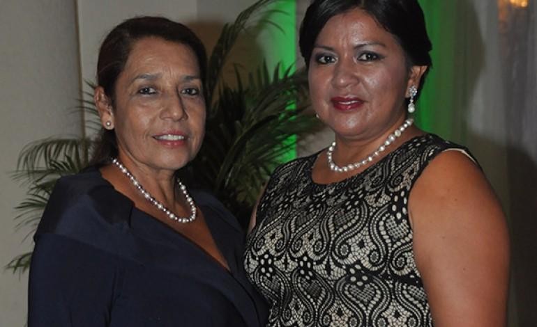Rosario López y Marlen de López.