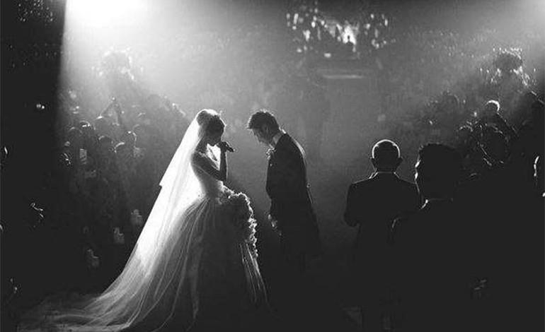 """Así fue la lujosa boda de la """"Kim Kardashian china"""""""