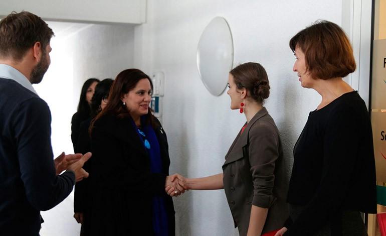 La Primera Dama, Ana García de Hernández, se reunió con la Asociación de Asesoría de Embarazo.