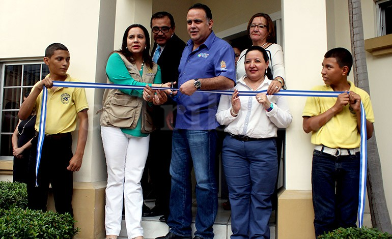 Primera Dama abre un centro de Ihadfa