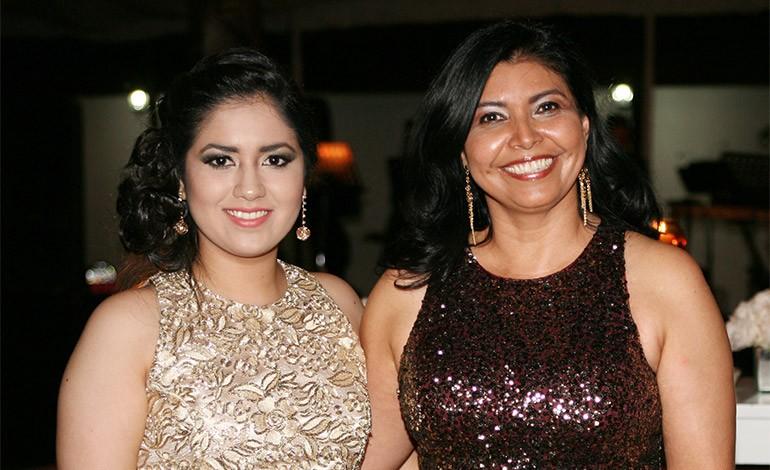 Margie Paz y Martha Quintanilla.