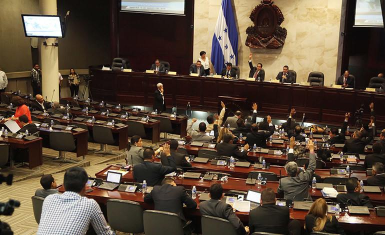 Congreso discute iniciativa del Ejecutivo sobre depuración policial