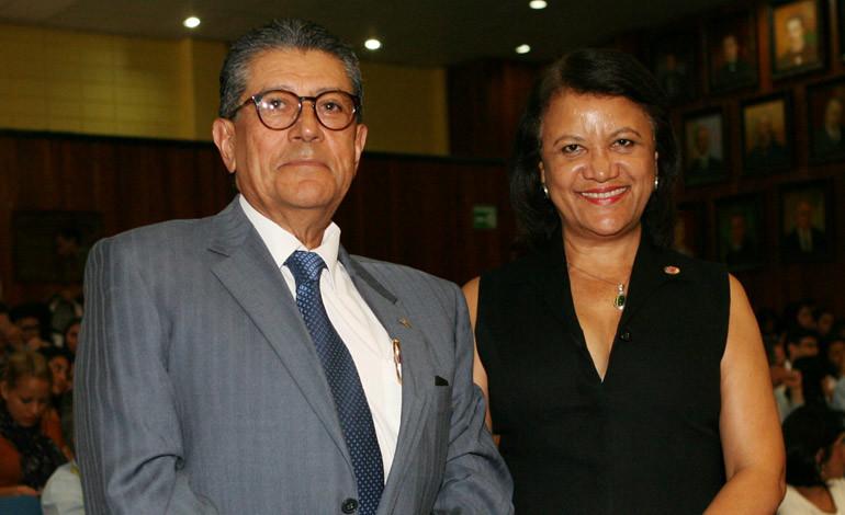 Américo Reyes y Aleyda Romero.
