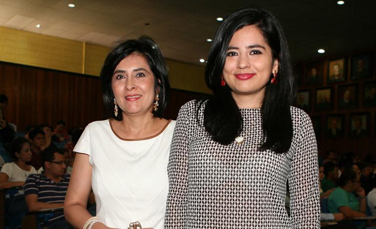 Janeth Alemán y Andrea Erazo.