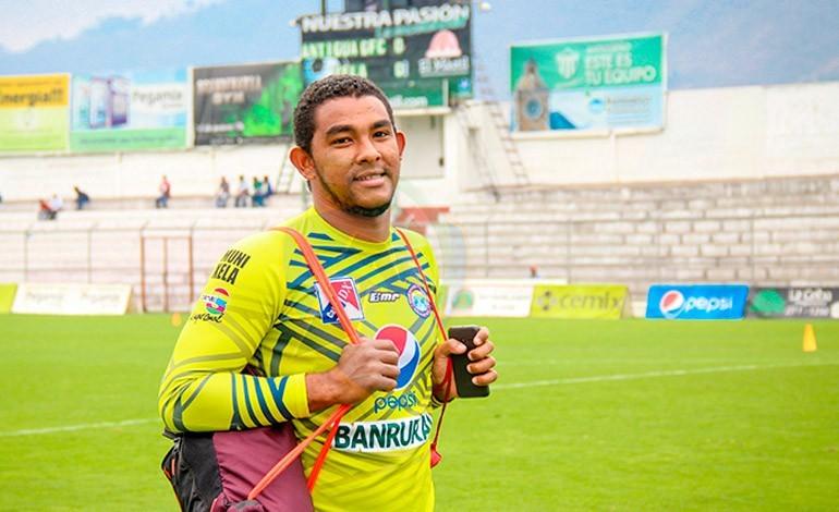 Hondureño José Mendoza tiene todo arreglado para jugar en Venezuela
