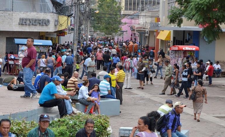 Demolerán edificios viejos del centro de la capital para construir condominios