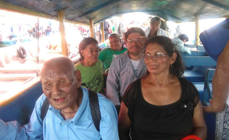 Abuelos disfrutan playas amapalinas