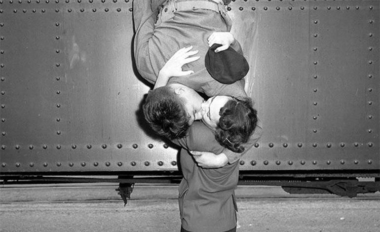 10 imágenes del amor en tiempos de guerra