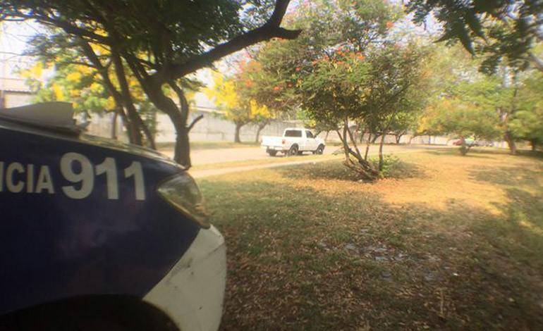 Bajan a hombre de carro  para matarlo en San Pedro Sula