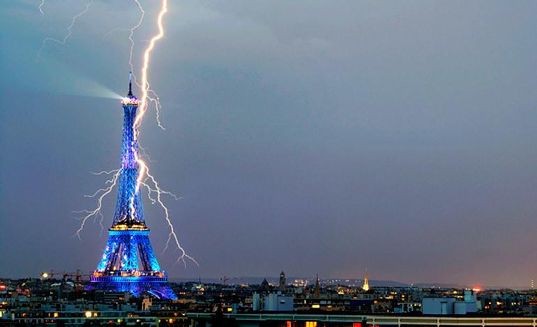 Once heridos por un rayo en un parque de París