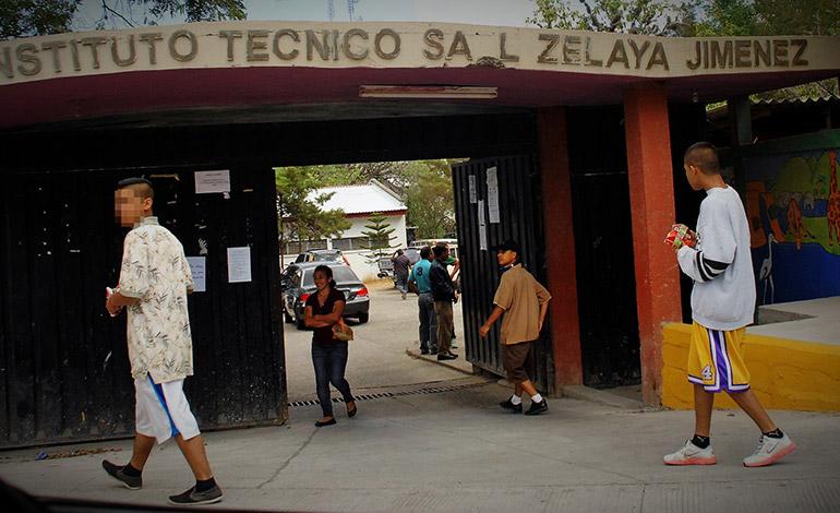 En el Instituto Saúl Zelaya Jiménez ya se registran más de 100 alumnos, originarios de Las Torres, que han tenido que pedir traslado.