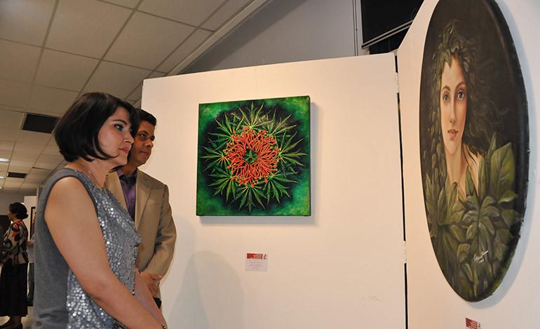 El arte femenino en su máxima expresión en el Salón Cultural de Banco Atlántida