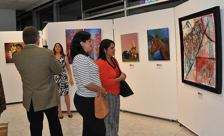 La exposición patrocinada por Diario La Tribuna, permanecerá abierta hasta el 6 de junio.