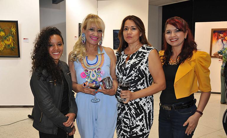 Raquel Rodríguez, Teresa Silva, Jacqueline Vélez