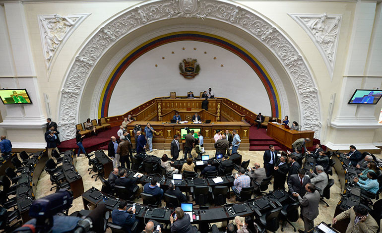 Parlamento debatirá declarar a Maduro en 'abandono del cargo'