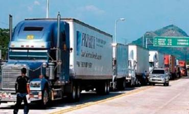 Empresarios presentan guía para transportar productos